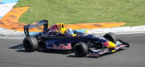 Doble 'pole' para Carlos Sainz Jr. en Hockenheim