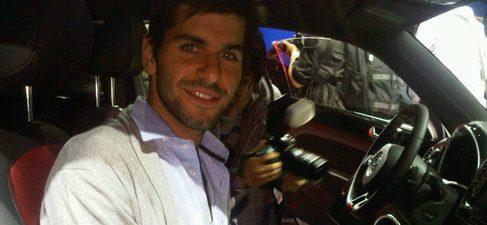 SEAT presume de la visita de Alguersuari y ¡él promociona el Volkswagen Beetle!