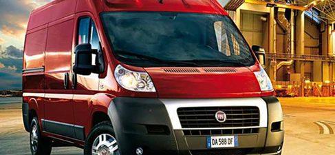 La venta de furgonetas cae un 30% en abril y un 22% en 2011