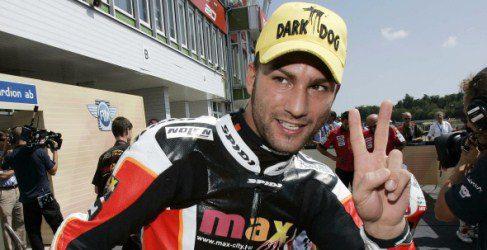 Mattia Pasini sabe encontrar el hueco para colarse en MotoGP
