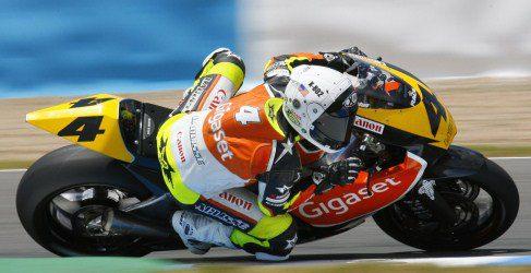 Ricky Cardús con el equipo de Arguiñano en Moto2