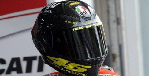 AGV mejora el casco de Valentino Rossi