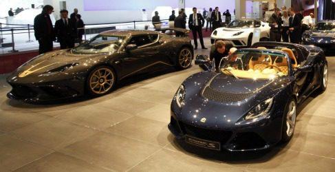 Lotus nos sorprende con un Exige Roadster y un Evora inspirado en la F1