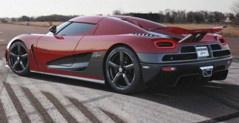 Koenigsegg Agera R o cómo tener un coche de carreras para la calle