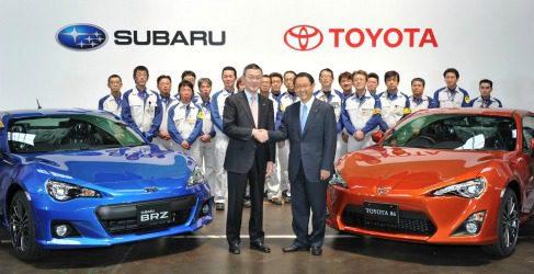 Salen los primeros Subaru BRZ y el Toyota GT 86 de la línea de producción