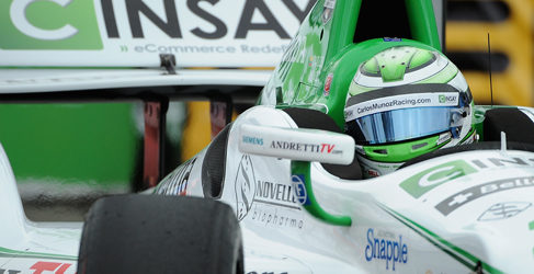Mike Conway resiste y vence en Long Beach