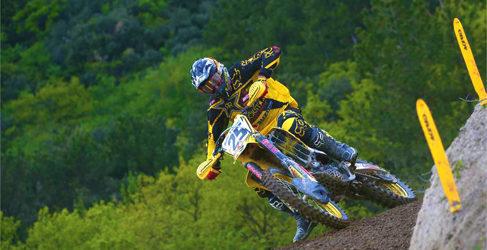 Clément Desalle gana a Cairoli en la cita italiana de MXGP