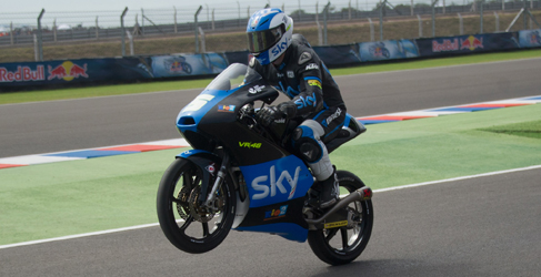 Romano Fenati gana 'entre toques' Moto3 en Argentina