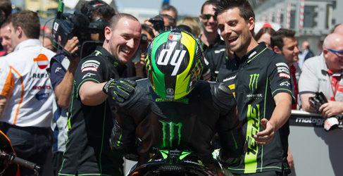Pilotos de MotoGP analizan la clasificación de Le Mans