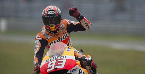 Marc Márquez gana en Assen con Dovizioso en el podio