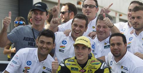 Fuga de Maverick Viñales para ganar en MotorLand en Moto2