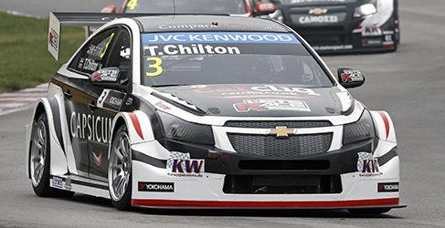 Tom Chilton consigue su primera pole del año