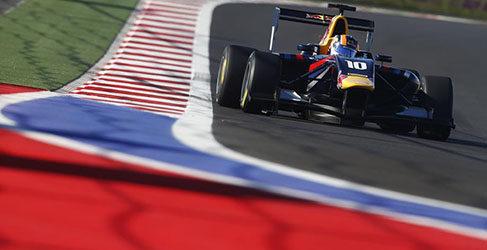 Gran victoria en GP3 de Dean Stoneman en Sochi