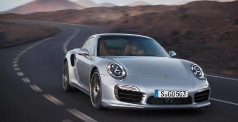 Salvaje prueba de aceleración con el Porsche 911 Turbo S
