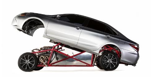 Este inofensivo Toyota Camry esconde más de 850 caballos