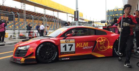 Maro Engel arranca al frente de la GT Cup en Macao