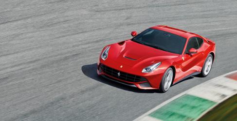 Kimi Raikkonen al volante del Ferrari F12 en Fiorano