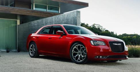 Chrysler estrena el renovado 300 en Los Angeles
