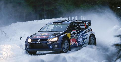 Pontus Tidemand se merienda a los WRC en la SSS de Karlstad