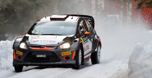 Abrir pista no frena a Sebastien Ogier en el Rally de Suecia