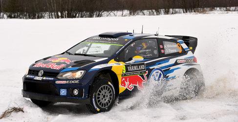 Mikkelsen no aguanta la presión de Ogier en el Rally de Suecia