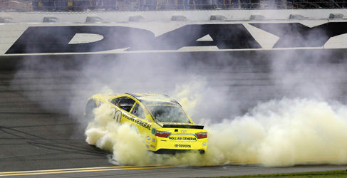 Jeff Gordon logra la pole en su última Daytona 500
