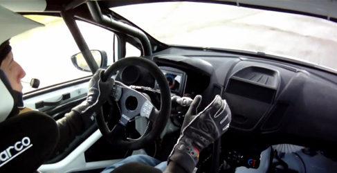Elfyn Evans prueba el Ford Fiesta R2 1.0 EcoBoost
