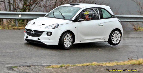 Opel Motorsport sigue de test con Vallín y Ángela Vilariño