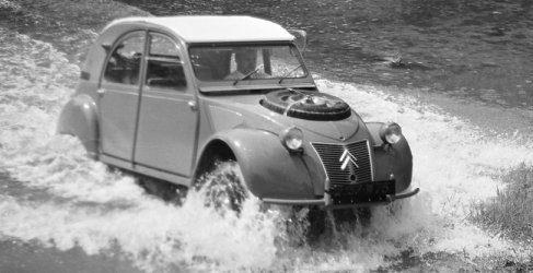El Citroën 2CV viaja hasta Polonia