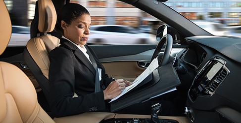 Volvo asumirá los accidentes de sus coches autónomos