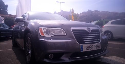 Análisis del Lancia Thema 3.0 V6, la berlina italoamericana