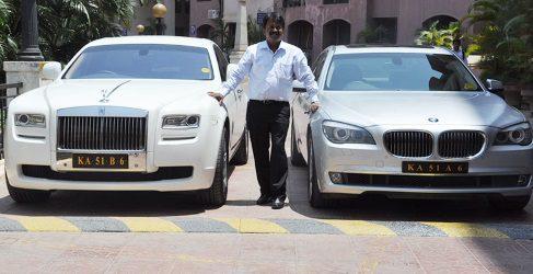 El barbero que va a trabajar a diario en su Rolls Royce Ghost