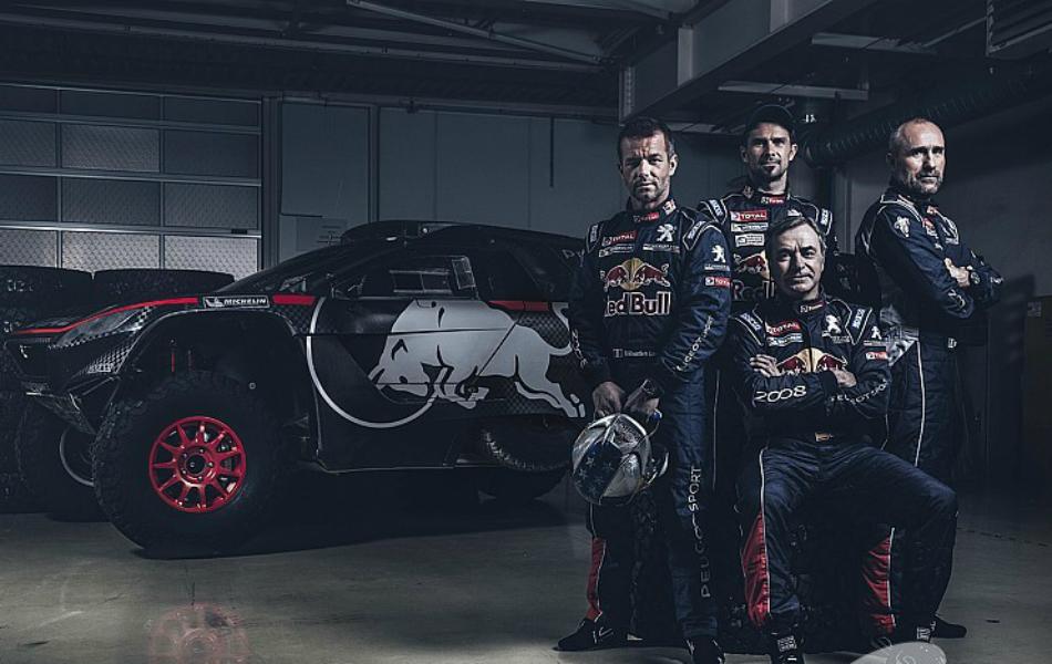 Sainz, Peterhansel, Loeb y Despres, el equipo de pilotos al completo.