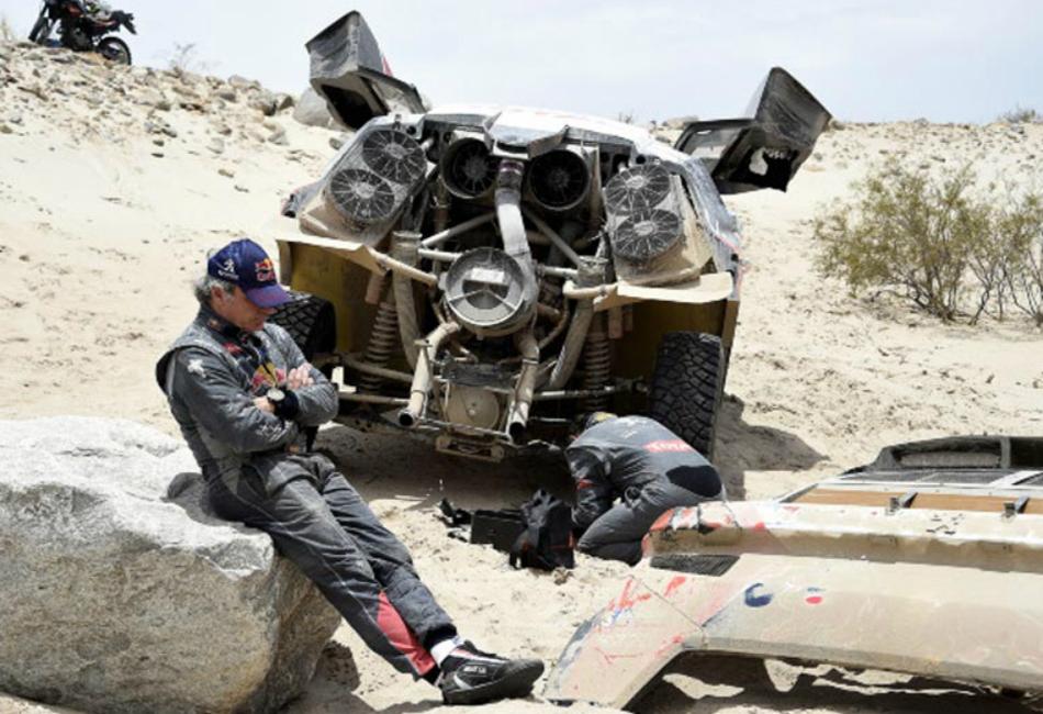 La calamidad se ceba con Carlos Sainz