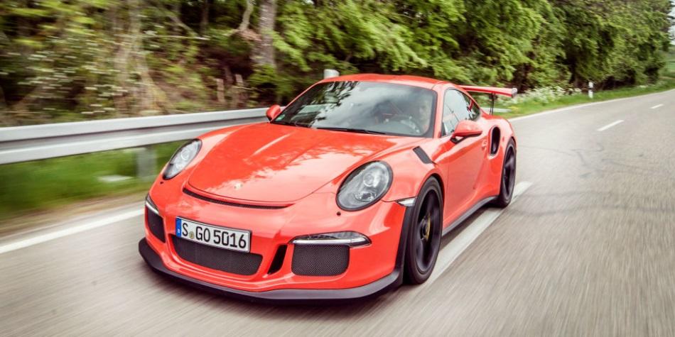 Vídeo: Walter Röhrl dominando en circuito el Porsche 911 GT3 RS