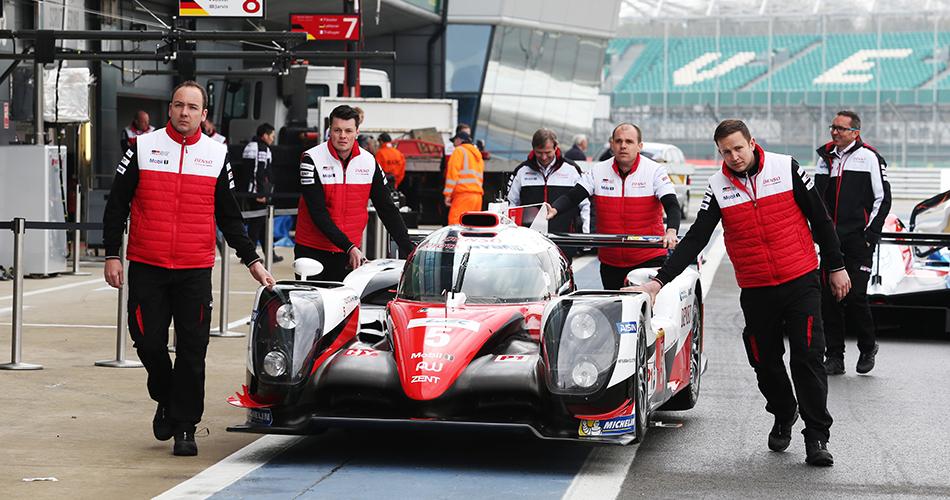 Porsche logra el doblete en el FP1 de Silverstone