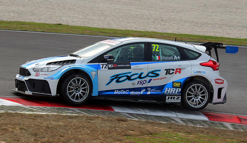 Roberto Colciago debuta a lo grande en las TCR International Series