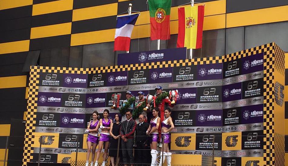 Pepe Oriola termina la temporada en el podio en Macao