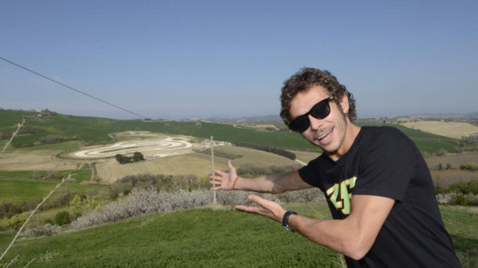 Entrevista a Rossi en Deejay Italia