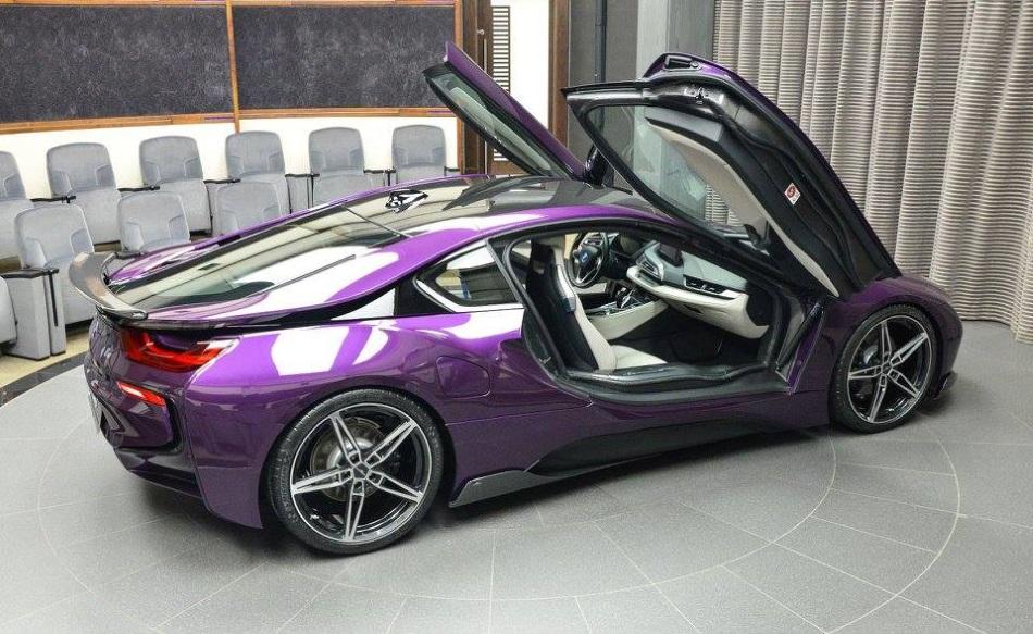 AC Schnitzer crea un BMW i8 único de color morado