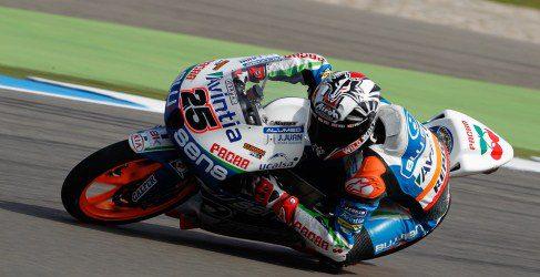 Maverick Viñales vence en un final agónico de Moto3 en Assen