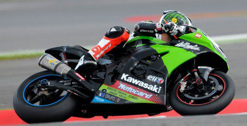 Tom Sykes sigue con Kawasaki en el Mundial de SuperBikes 2013
