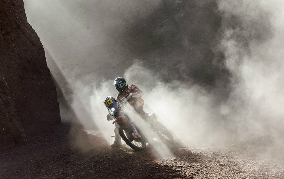 Motos | Así descansa el Dakar en La Paz: la regularidad manda con Sunderland líder