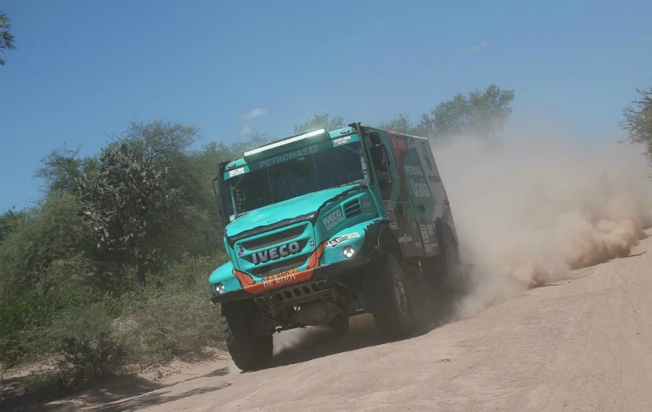 Camiones | De Rooy aguanta el tipo ante los Kamaz