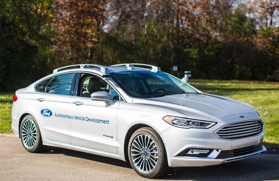 Ford presentó la segunda generación del Fusion Hybrid Autónomo