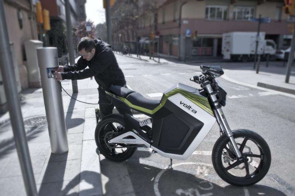 Volta presentó su nueva motocicleta hecha en España