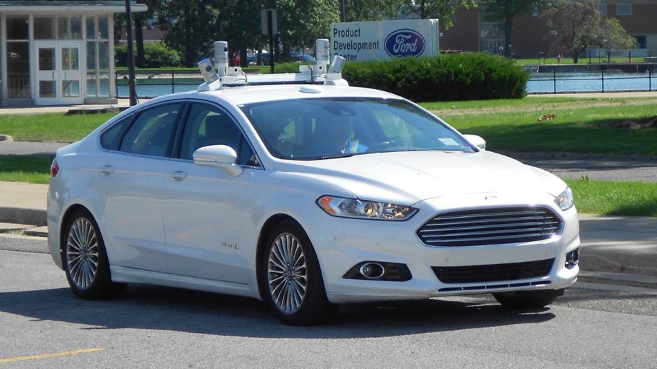 Ford se posiciona entre los líderes de coches autónomos