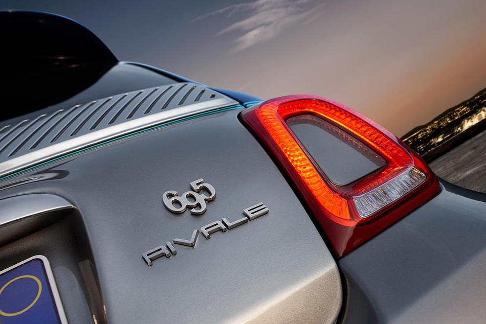 Presentado el nuevo Abarth 695 Rivale de Fiat