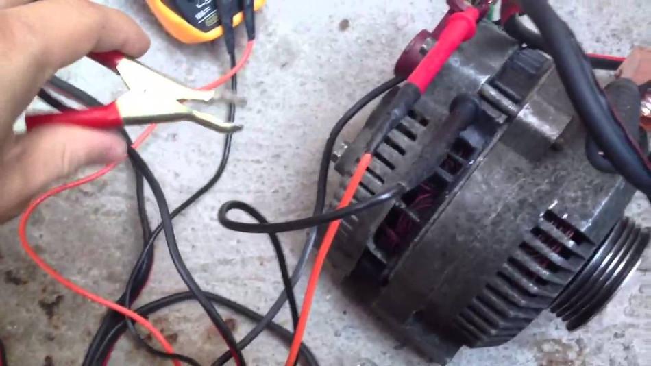 Como descartar problemas con el alternador del coche