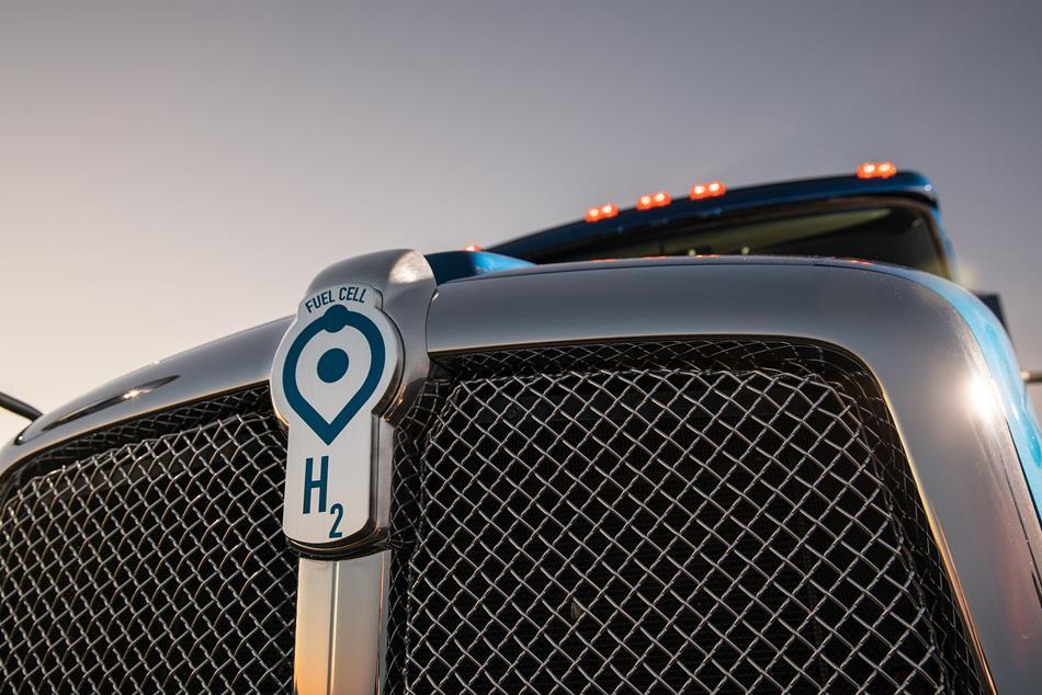 El nuevo camión a hidrogeno de Toyota listo para ingresar a las vías